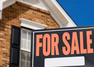 Should You Sell Your Own Home or Use a Realtor?