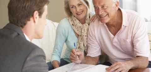 financialadvisor_meeting_279906161.jpg